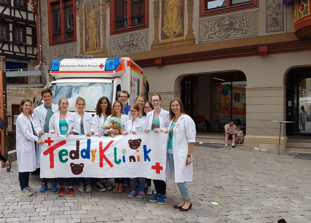 https://www.teddyklinik-tuebingen.de/wp-content/uploads/2021/02/team.jpeg